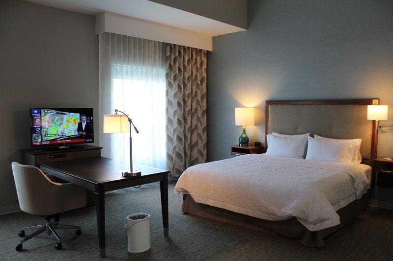 Hampton Inn North Huntingdon-Irwin guest room