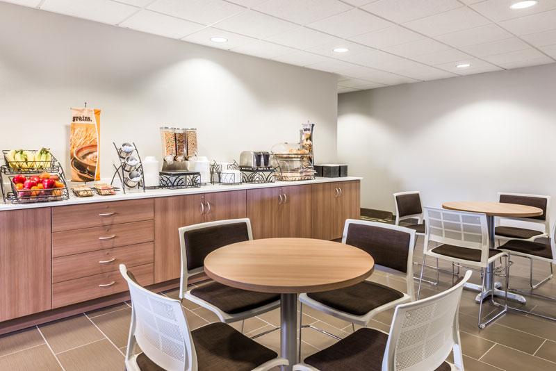 Microtel Inn & Suites by Wyndham Beaver Falls breakfast